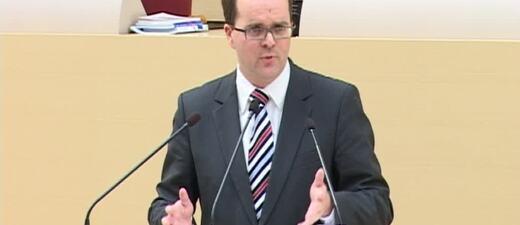 Markus Rinderspacher spricht im Landtag