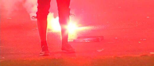 Pyrotechnik im Stadion, © Die Polizei bittet eindringlich darum, keine Pyrotechnik ins Stadion zu bringen