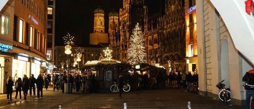 © Der Christkindlmarkt auf dem Marienplatz - Foto:  Dirk Schiff/Portraitiert.de