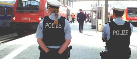 Züge und Polizei am Hauptbahnhof, © Symbolbild. Foto: Bundespolizei