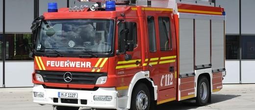 Feuerwehrauto Drehleiter , © Symbolfoto eines Feuerwehrdrehleiter Fahrzeugs