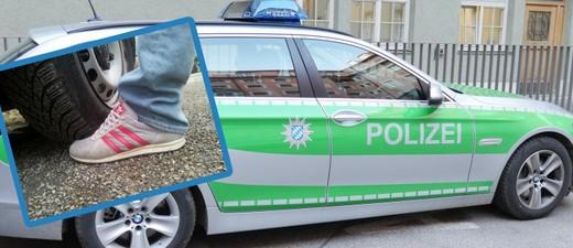 © In der Maxvorstadt ist eine Frau einem Polizisten über den Fuß gefahren