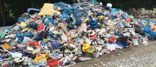 Müllberg, Isar, grillen, saubere Isar, München, Abfall, Müll, © Müllberge wie diesen soll es zukünftig nicht mehr geben.