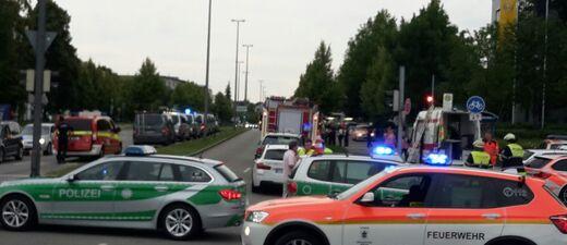 Straßensperrungen und Evakuierungen nach Schiesserei in München OEZ