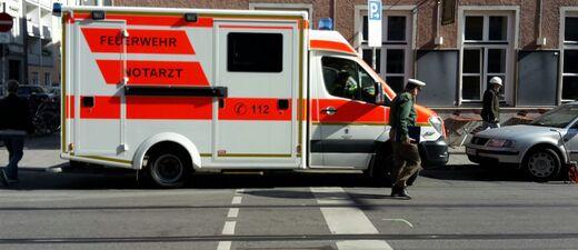 notarzt unfall fraunhoferstrasse Krankenwagen, © Krankenwagen im Einsatz