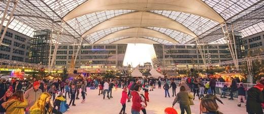 Weihnachtsmarkt im Forum des München Airport Centers (MAC), © Bild: Flughafen München GmbH (FMG)
