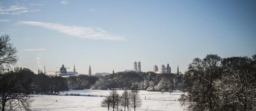 Schneelandschaft München im Winter.
