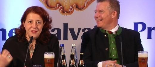 Luise Kinseher und Andreas Steinfatt bei der Pressekonferenz zum Starkbierfest am Nockherberg