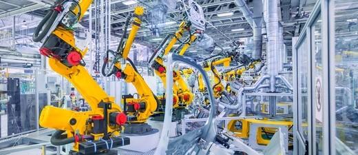 Produktionsstraße mit Robotern, ©                                                                                                                    fotolia.com ©  Nataliya Hora