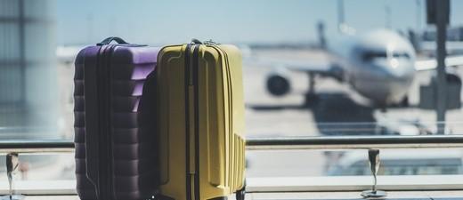 Koffer am Flughafen, © Reisen ist nicht nur ein privates Thema. Der Tourismus ist einer der wichtigsten Wirtschaftsfaktoren
