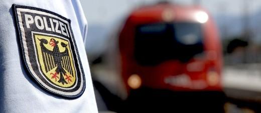 Die Bundespolizei stellt Randalierer in der S-Bahn, © Foto: Bundespolizei Symbolfoto