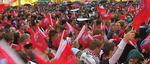 Die Meisterfeier des FC Bayern München auf dem Marienplatz.