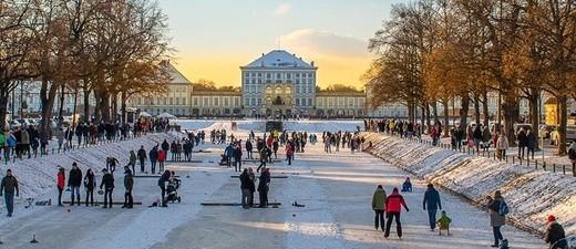 © Eisstockschießen und Eislauf auf dem Nymphenburger Schlosskanal - Foto:  TOJE Photografie