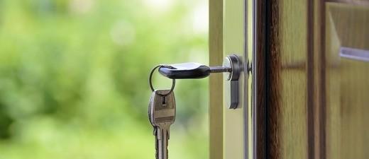 Schlüssel in einer Türe, © Symbolfoto