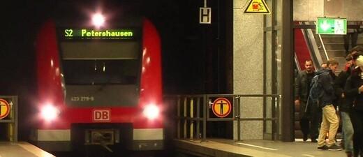 Eine S-Bahn im Tunnel der Münchner Stammstrecke