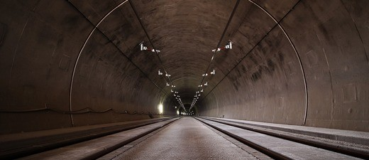 Tunnel Straße Verkehr, © Symbolbild