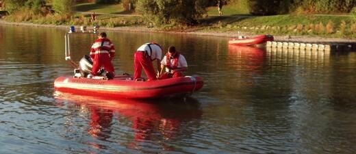 Wasserwacht Rettungsdienst mit ihrem Boot, © Archiv: Wasserwacht Rettungsdienst mit ihrem Boot