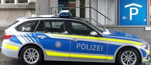 Ein neues Polizeiauto in Blau, © Symbolfoto