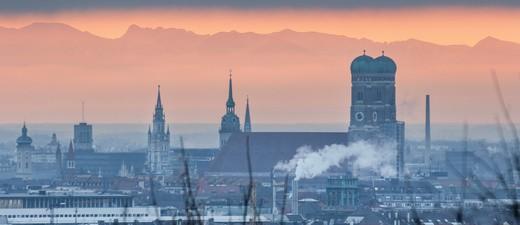 München, © In Zukunft soll die Wärmeversorgung im Münchner Winter klimafreundlich funktionieren. fotolia.com © bjoerno
