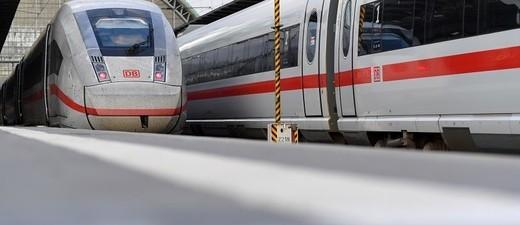 ICE 4 in einem Bahnhof, © Bild: Deutsche Bahn AG/Oliver Lang