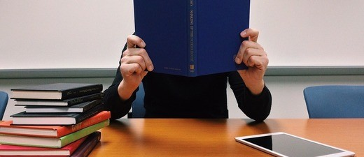 Schule, lernen, Klassenzimmer, Buch, © Symbolfoto