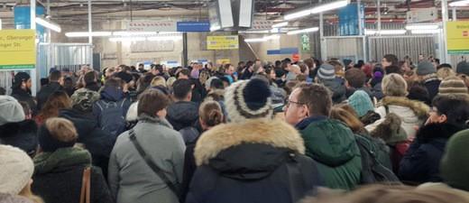 U-Bahn-Chaos in München: Menschenmassen an der Haltestelle Sendlinger Tor
