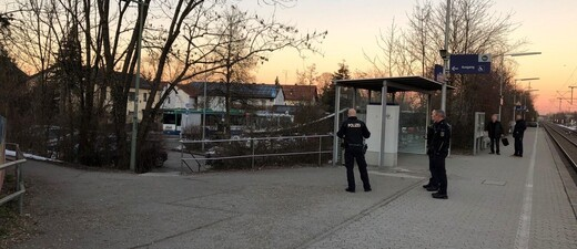 Bundespolizisten am S-Bahnhof in Heimstetten, © Bundespolizei