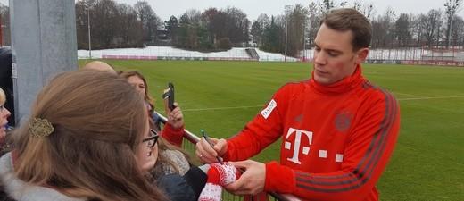 Manuel Neuer muss wegen einer Verletzung pausieren.