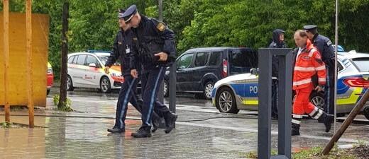 © Polizei vor Rupert-Egenberger-Schule am 21.05.