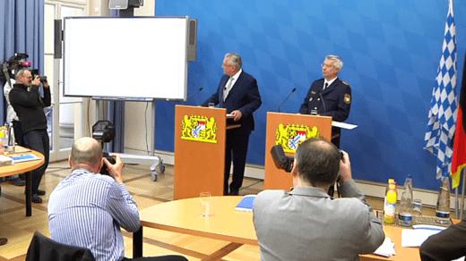 Bayerns Innenminister Joachim Herrmann stellt die Kriminalstatistik für Bayern vor.