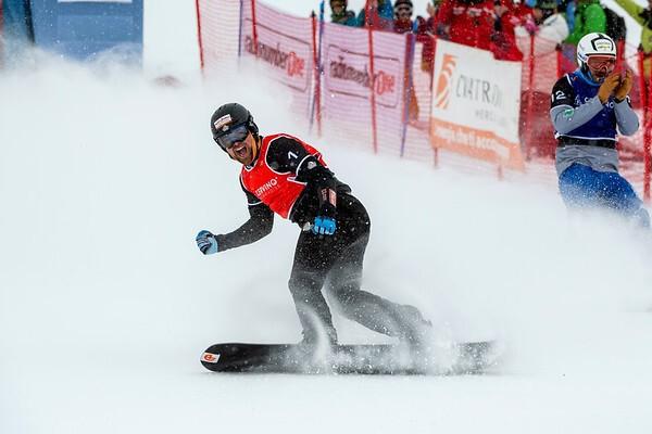 Snowboardcross-Fahrer Martin Nörl siegt zum Saisonauftakt, © © Miha Matavz/FIS