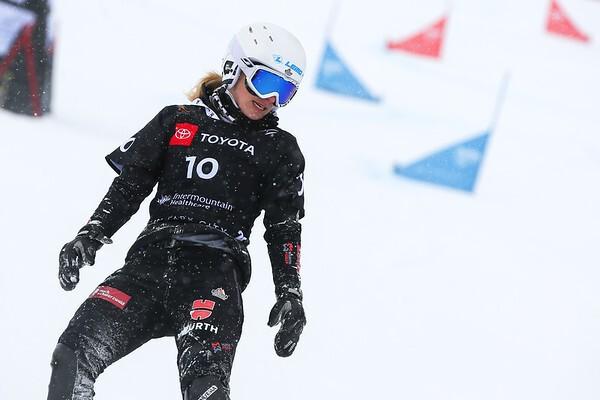 Selina Jörg bei der Zieldurchfahrt während der WM, © © FIS Snowboard