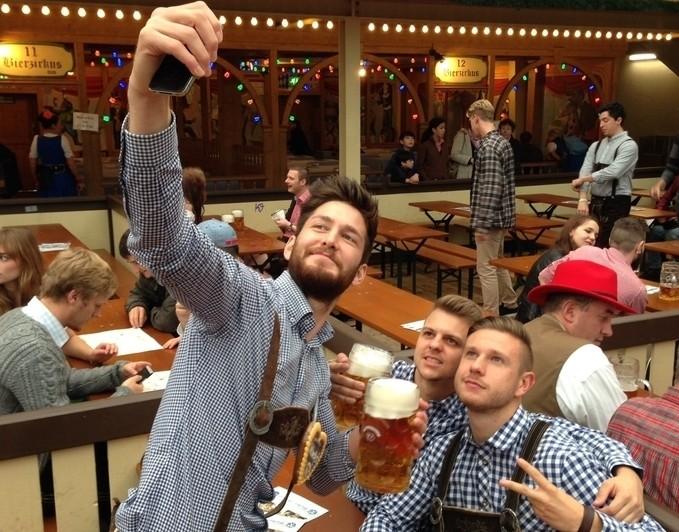 Neue Regelung soll Tischreservierung auf dem Oktoberfest für Münchner erleichtern