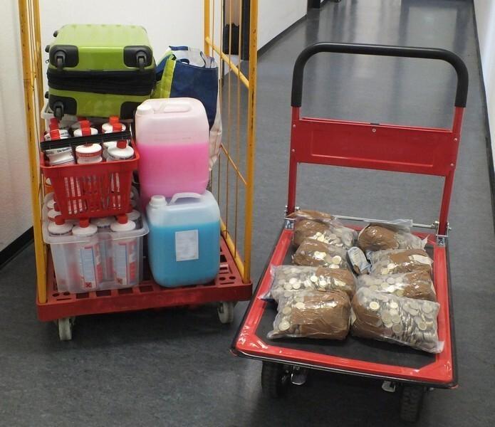 Geldsack Reinigungsmittel Toiletten Hauptbahnhof Safebag, © Foto: Bundespolizei