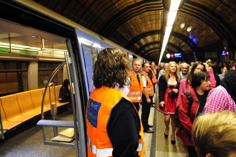 U-Bahnstation während dem Oktoberfest Wiesn, © Quelle: MVG/SWM