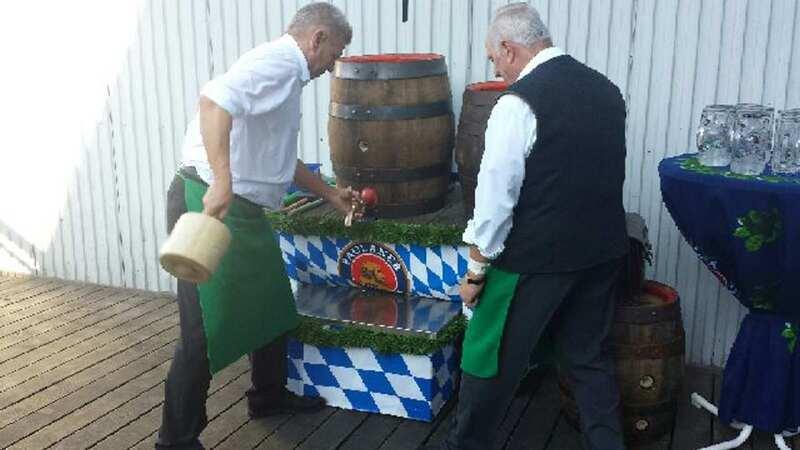 Reiter Oktoberfest Training Anzapfen
