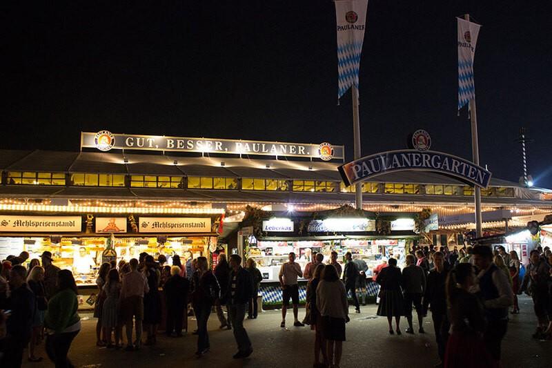 Oktoberfest München  Paulaner Festzelt Wiesn, © Rico Güttich / münchen.tv