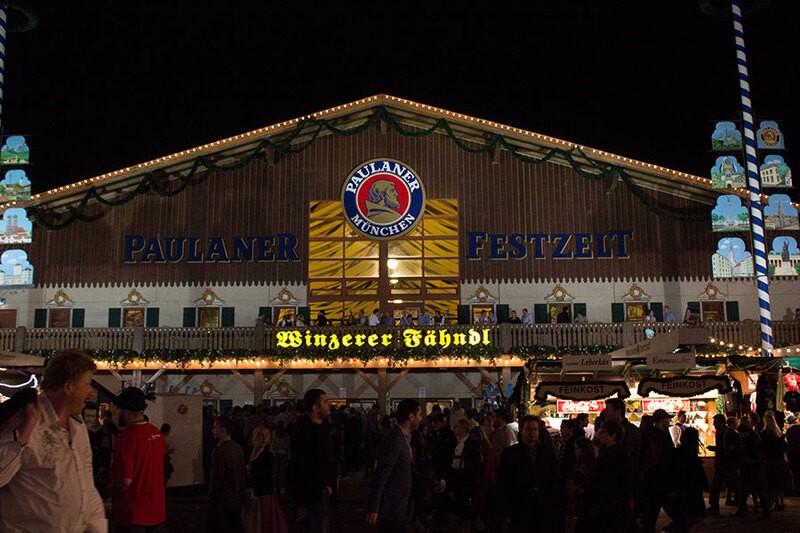 Oktoberfest München Paulaner Winzerer Fähndl Festzelt Wiesn, © Rico Güttich / münchen.tv