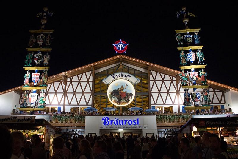 Oktoberfest München Bräurosl Festzelt Wiesn