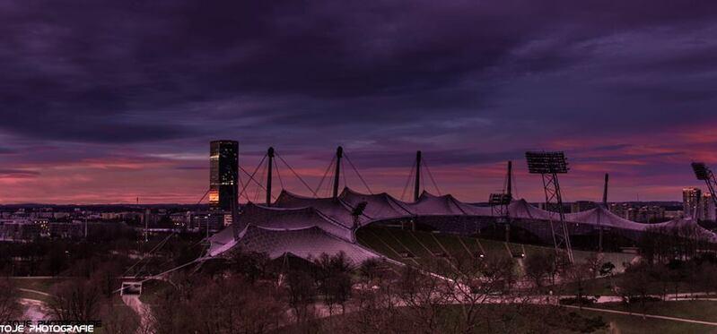 So schön kann die Dämmerung in #München sein! Danke an TOJE Photografie für das Foto vom Münchner Olympiapark, © So schön kann die Dämmerung in #München sein! Danke an TOJE Photografie für das Foto vom Münchner Olympiapark