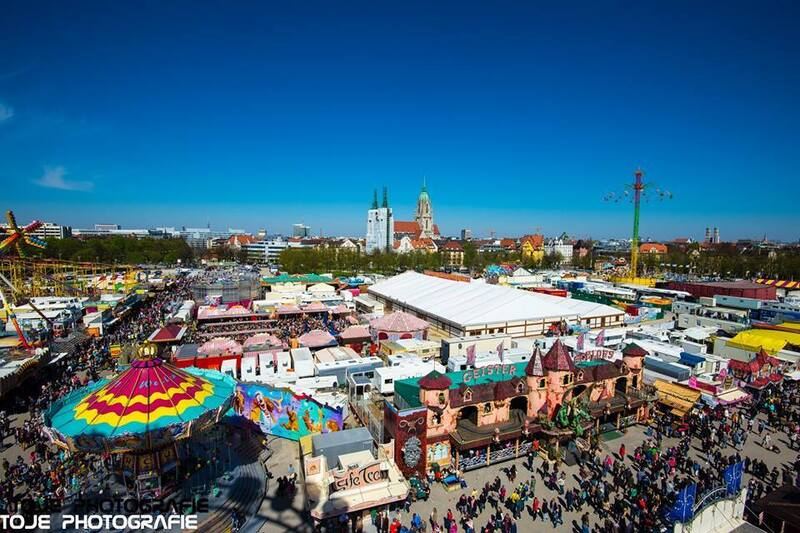 Ausblick aufs Münchner Frühlingsfest - Theresienwiese, © Ausblick aufs Münchner Frühlingsfest - Foto : TOJE Photografie