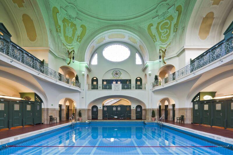 Schwimmbecken vom Mueller'schen Volksbad in München, © Foto: Stadtwerke München