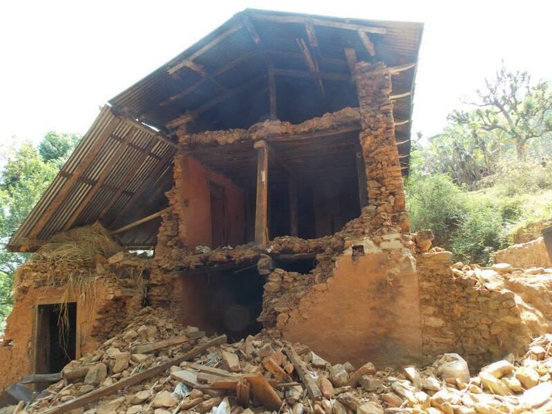 zertrümmerte Häuser Nepal, © Viele Häuser liegen in Trümmern - Foto: Medizinisches Katastrophen Hilfswerk