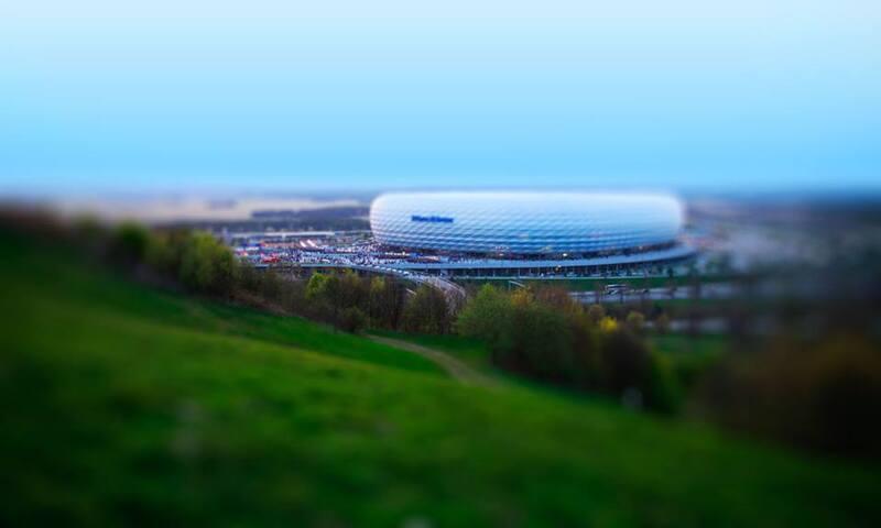 Die Allianz Arena vom Fröttmaninger Berg
