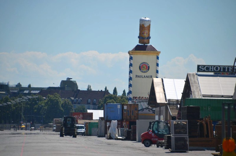 oktoberfest wiesn aufbau 2015 octoberfest building construction paulaner