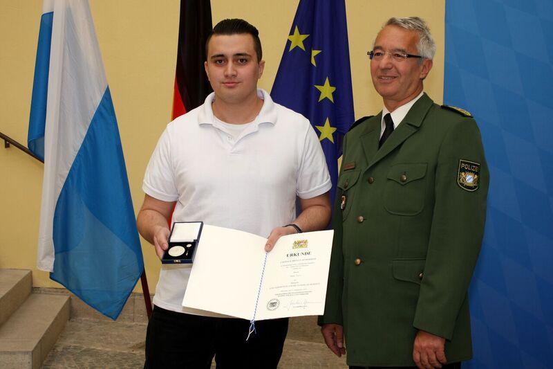 © Nijaz Tuz bei der Verleihung - Foto: Bayerisches Innenministerium