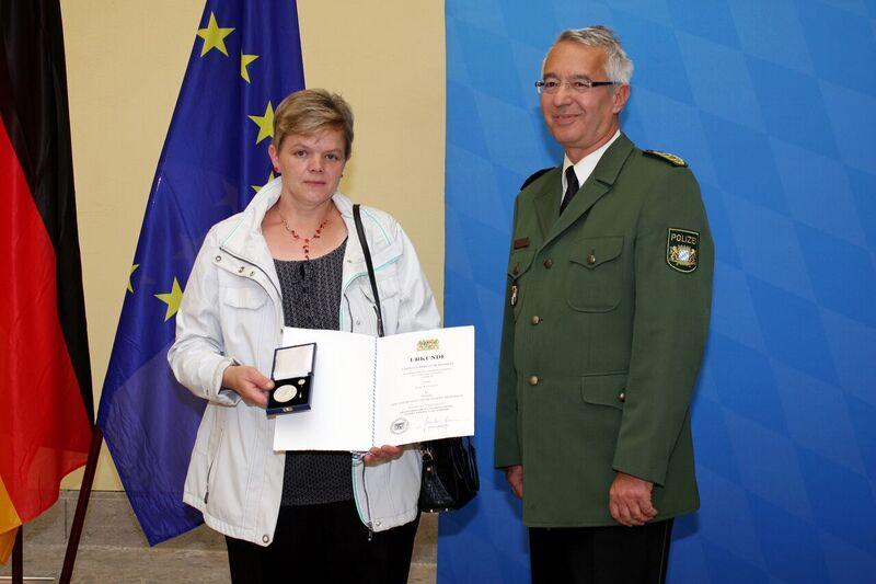 © Lore Assouli bei der Verleihung - Foto: Bayerisches Innenministerium