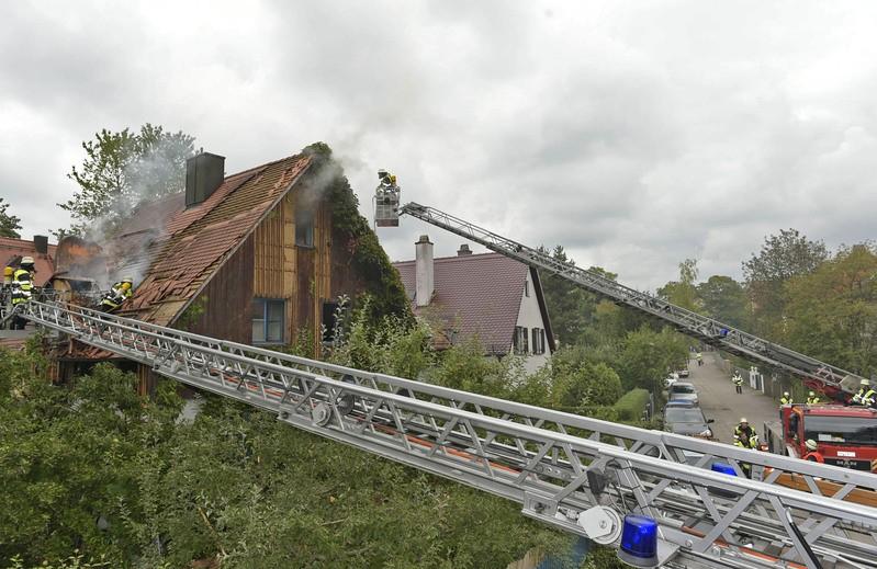 brand pasing ludwig thoma strasse, © Einsatzfoto der Berufsfeuerwehr München