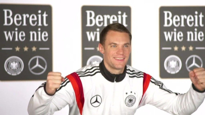 Manuel Neuer in Siegerpose