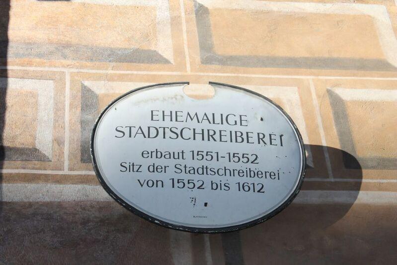 Schild von ehemaliger stadtschreiberei an weinstadl in der burgstraße